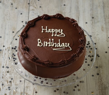 Super Chocolate Birthday Cake A Delicious Birthday Cake Perfect For Personalised Birthday Cards Veneteletsinfo